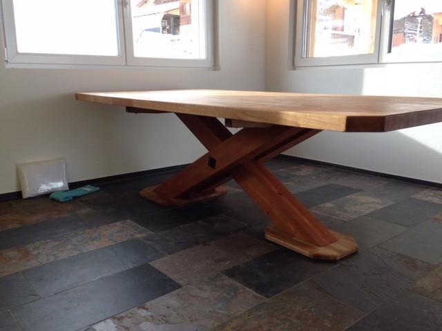 Tisch in Eiche rustikal